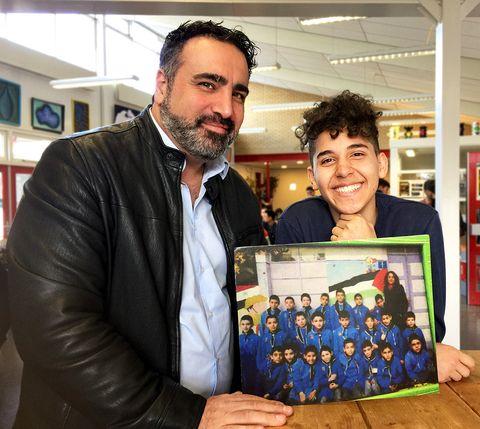Sfeerfoto van Sinan zoekt de klas van Elias