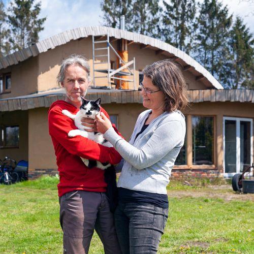 Afbeelding van AARD: Peter en Marleen bouwen hun eigen ecohuis